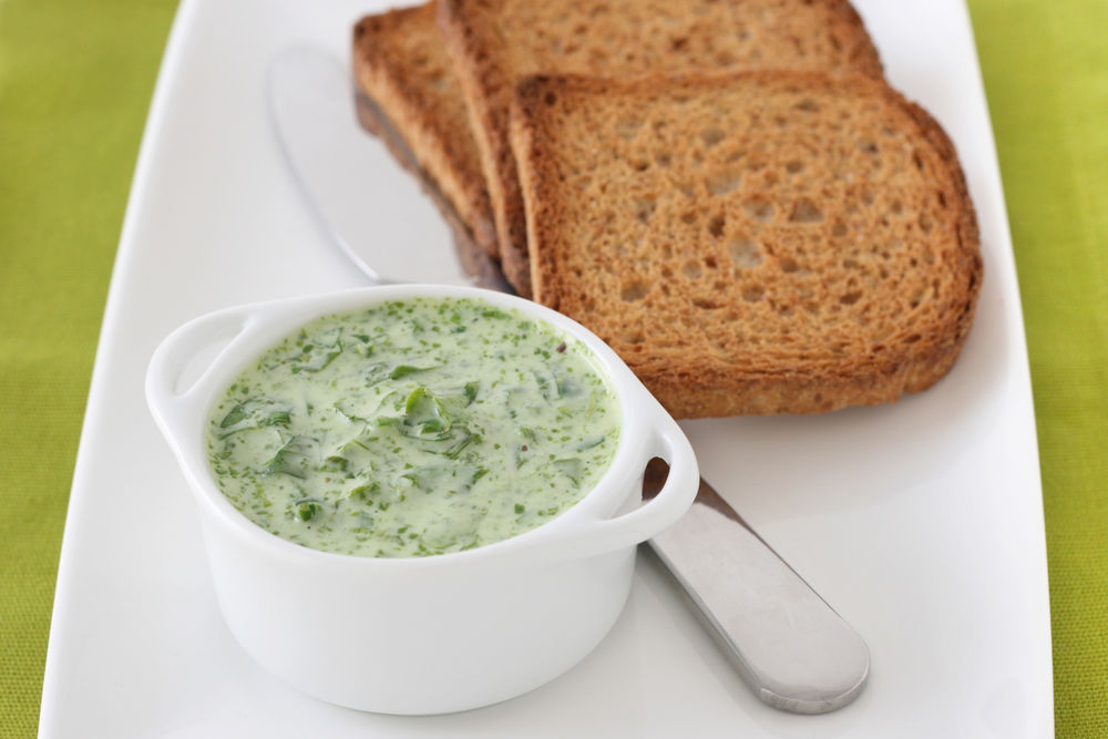 spinach dip and whole wheat toast